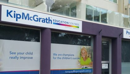 Kip McGrath Shopfront Signage